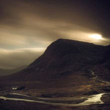 Follow the River by Damian Shields